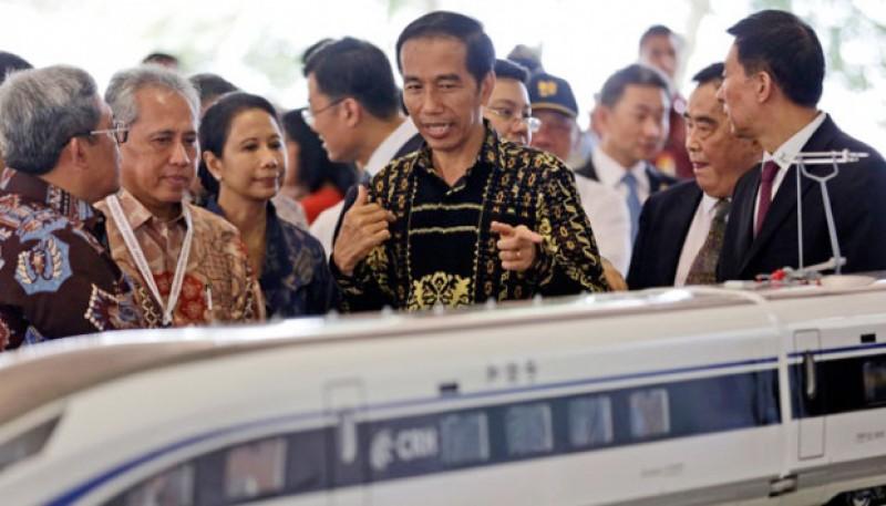 Menhub : Kereta Semi Cepat Jakarta-Surabaya Pakai Jalur Existing